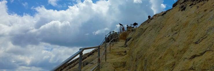 hiking stonewall peak trail